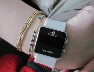 Фото: Часы Adidas Led Watch