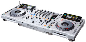 PIONEER предложения LIMITED EDITION CDJ-2000 DIGITAL